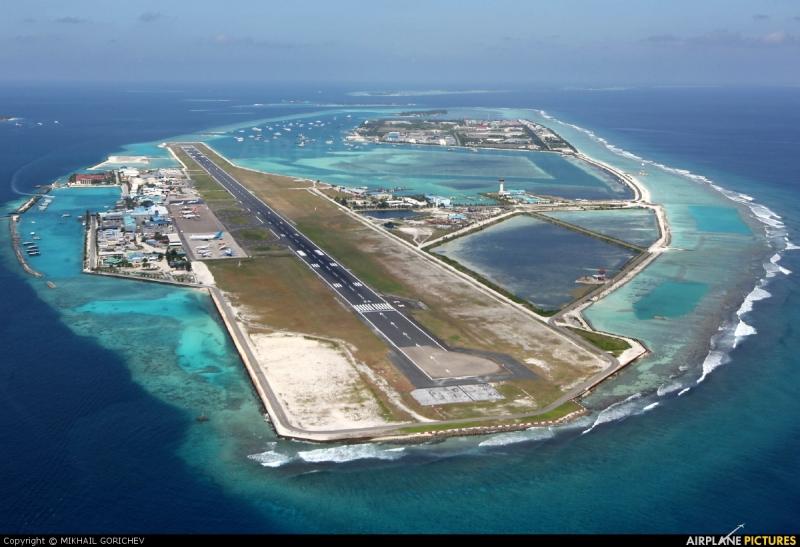 hvor ligger maldiverne kort